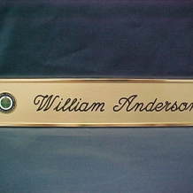 DP3 Wall-Door Nameplate/Gold/Gold/Script